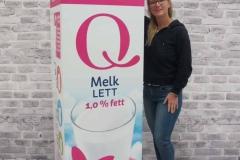 Merkevare i storformat. Denne melkekartongen er forstørret opp 800 ganger fra original størrelse og printet på bølgepapp. Utrolig kult produkt som tiltrekker seg oppmerksomhet i butikk, på demostands, messer, arrangementer og eventer.